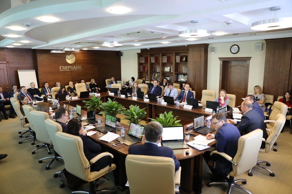 II. Круглый стол, Е. Бондаренко и В.Юдашкин 2.JPG